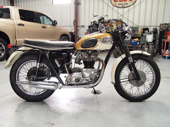 1964_Triumph_Bonneville_T120